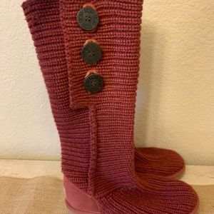 UGG Sweat Boots Red Size 6